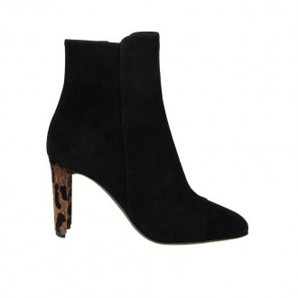 BOOT IN BLACK SUEDE HEELS WITH PONY
