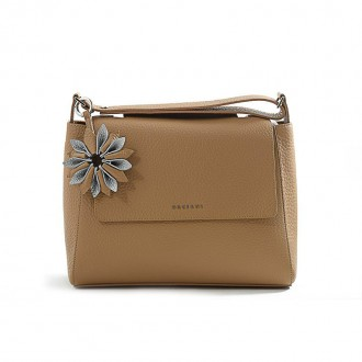 BEIGE AND SILVER LEATHER CHARM WITH FLOWER-SHAPED
