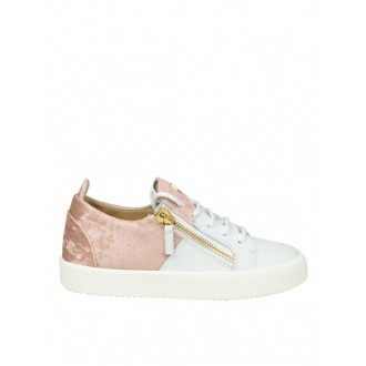 LOW-TOP SNEAKERS IN WHITE LEATHER WITH PINK VELVET INSERT