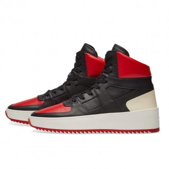 BASKETBALL SNEAKER BLACK & RED