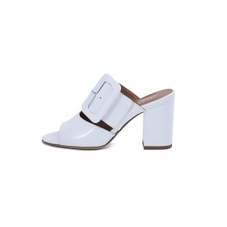 WHITE PATENT LEATHER BUCKLED MULES