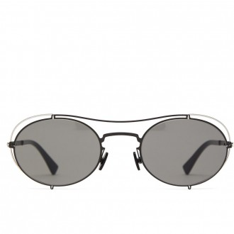 oval-frame sunglasses