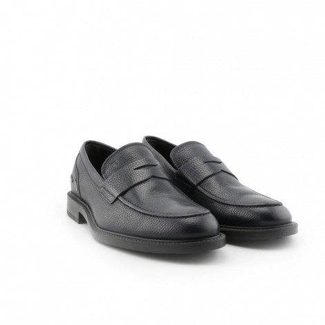 grainy leather loafers
