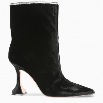 Mia Black Boot With Decoration
