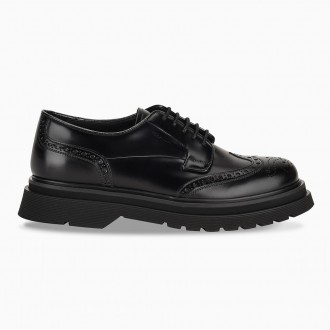 Lace-Up Derby In Black Leather