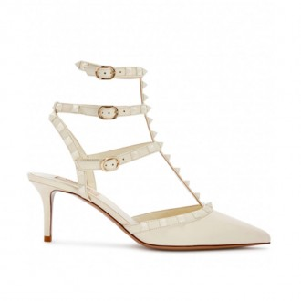 Rockstud 65 ivory leather pumps