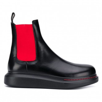 Chelsea Boots In Black