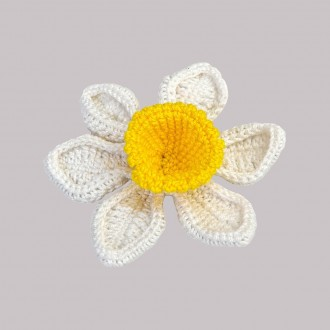 Knitted Brooch Narciso
