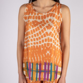 Sleveless top with print