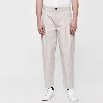 Pleated wide trouser