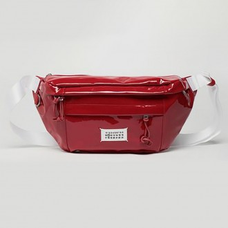 Medium Pouch In Patent Leather