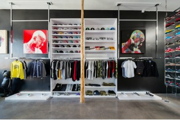 SAUCONY stores in Los Angeles   SHOPenauer