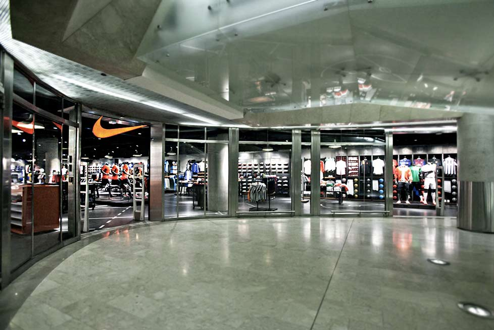 Nike store milano shopenauer for Shop milano